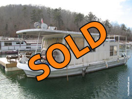 1972 Lakeland 12 x 32 Fiberglass Houseboat For Sale on Norris Lake