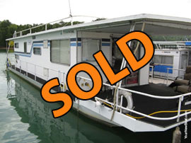 1979 Jamestowner 14 x 52 (Steel) Houseboat For Sale on Norris Lake
