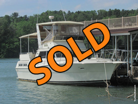 1980 Viking 43 Double Cabin Diesel Powered Motor Yacht For Sale on Cherokee Lake in East Tennessee near Knoxville