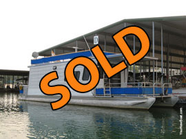 1997 Aqua Chalet 10 x 40WB Aluminum Deck Pontoon Houseboat For Sale on Norris Lake