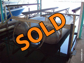 6000lb Used HydraHoist for sale on Lake Cumberland at Burnside Marina