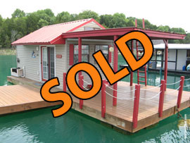 10 x 16 Floating Cottage For Sale on Norris Lake TN