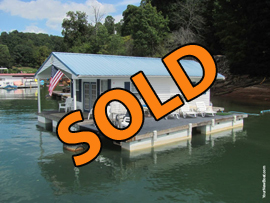 16 x 28 Floating Cottage 608sqft For Sale on Norris Lake at Sequoyah Marina