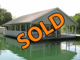 24 x 43 Floating Cottage Approx 1030 sqft For Sale on Norris Lake TN