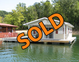2005 20 x 26 Floating Cottage For Sale on Norris Lake in East Tennessee